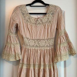 Dresses & Skirts - ✨Beautiful Pink and Cream Lace Dress